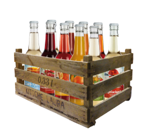 Eine Holzkiste mit Gastronomie Flaschen